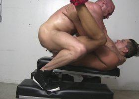 Chad Brock Barebacks Cesar Xes