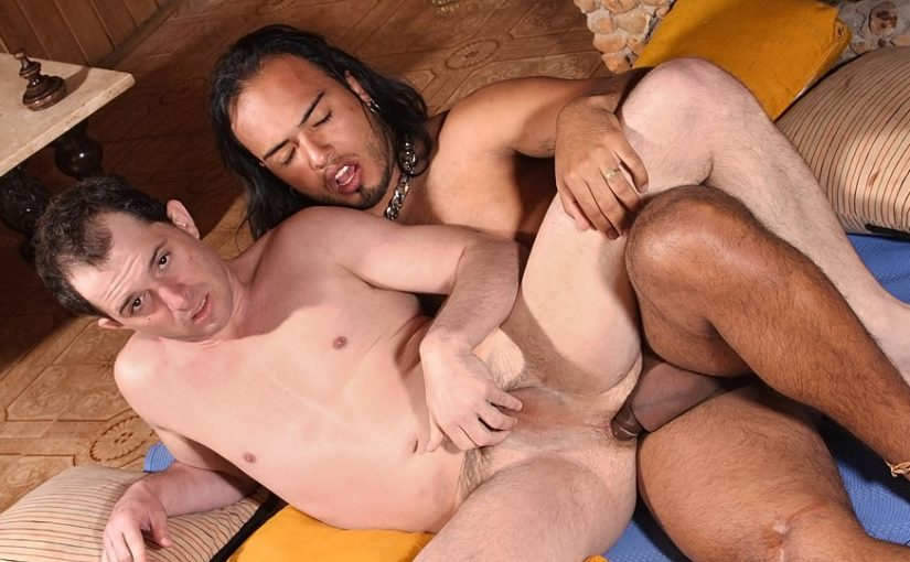 Dark Skinned Latino Stud Fucks Pale Ass – Junior Veroneze & Matheus Axel